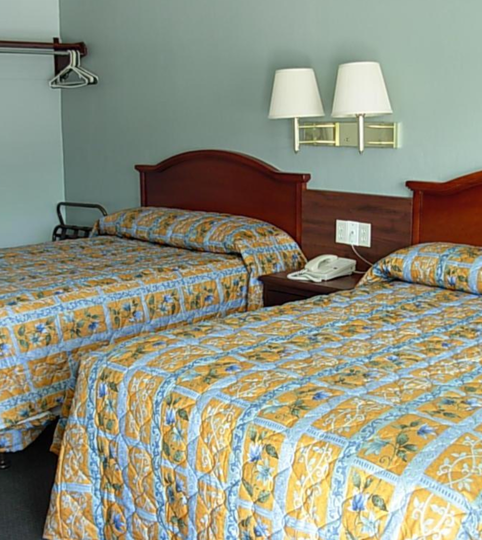 COMFORTABLE ACCOMMODATIONS IN THE HEART OF WILLOWS